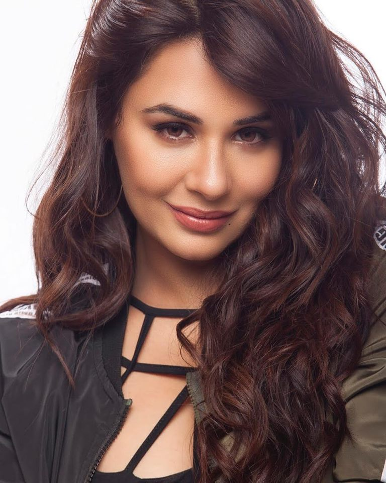 Mandy Takhar Smile Photos