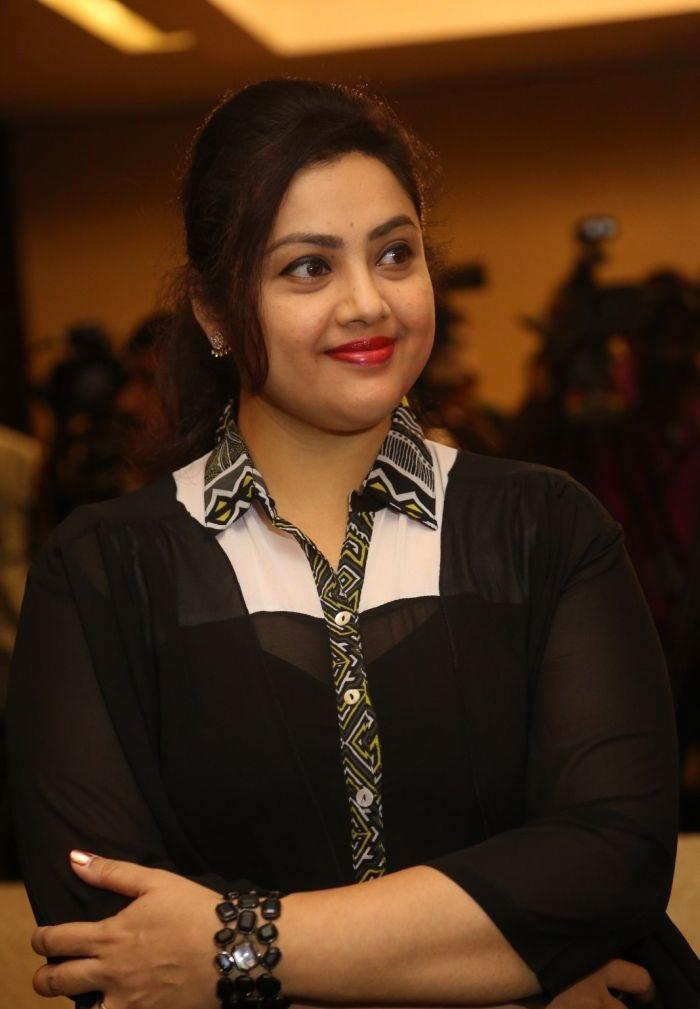 Meena HD Sexy Pics