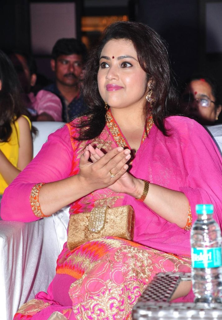 Meena Hot Images At Awrads Show
