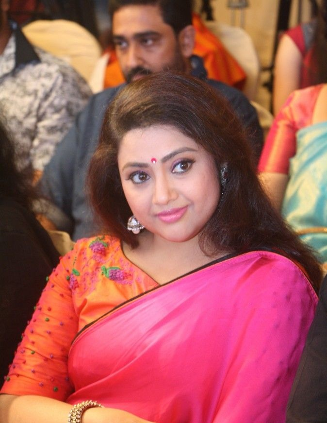 Meena Latest Wallpapers
