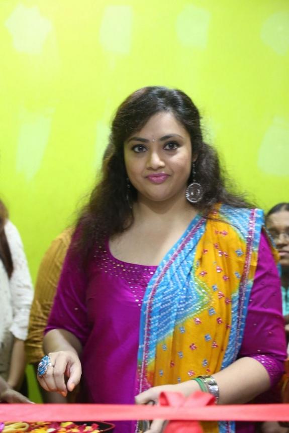 Meena Pictures