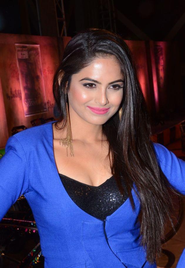 Naina Ganguly Hair Style Pics