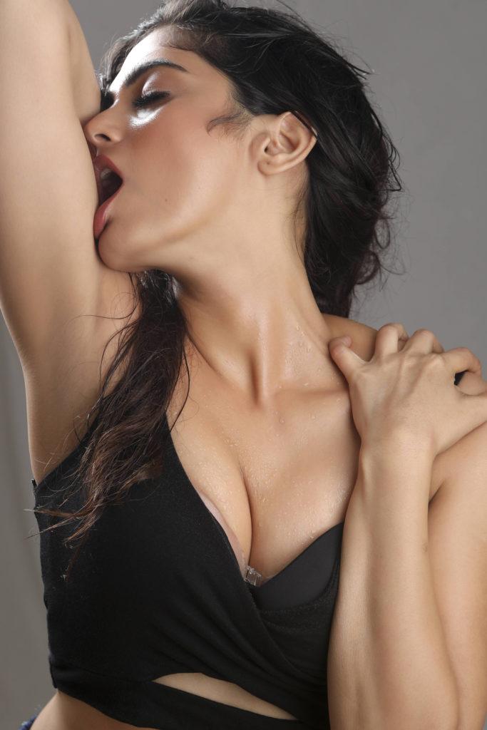 Naina Ganguly Hot