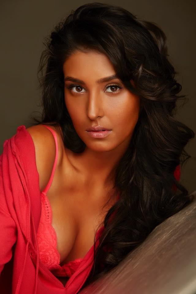 Navneet Kaur Dhillon Bold Photos