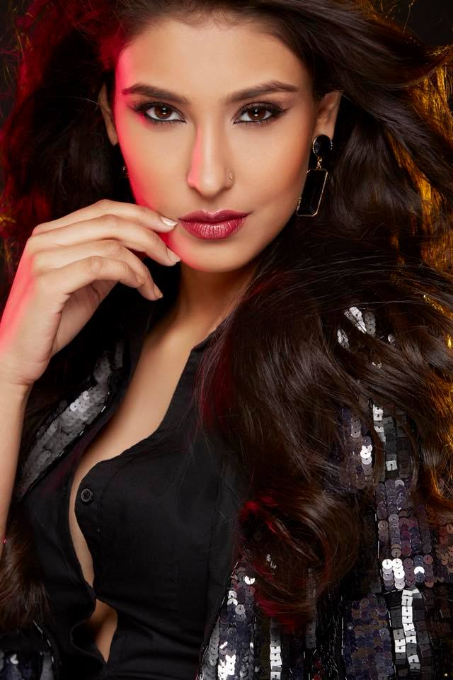 Navneet Kaur Dhillon Hot HD Sexy Photos