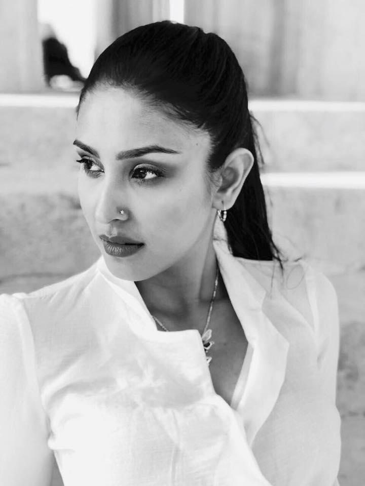 Navneet Kaur Dhillon Sexy