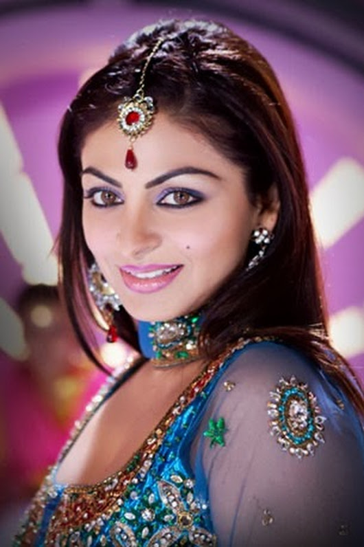 Neeru Bajwa Bold Photos