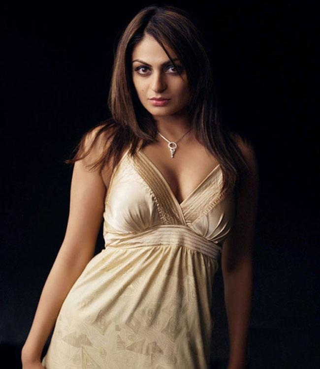Neeru Bajwa Hot Photos Salwar Kameez Bikini Hd Pics