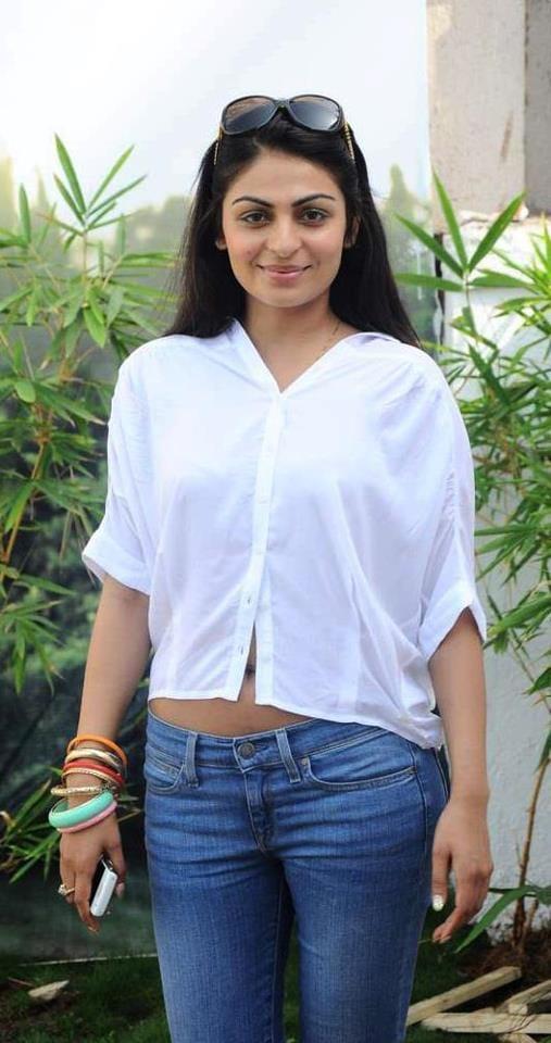 Neeru Bajwa Hot In Jeans Top Wallpapers