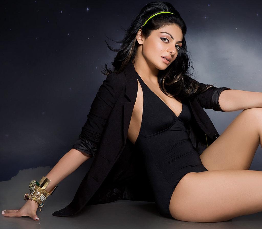 Neeru Bajwa In Bikini Bold Images