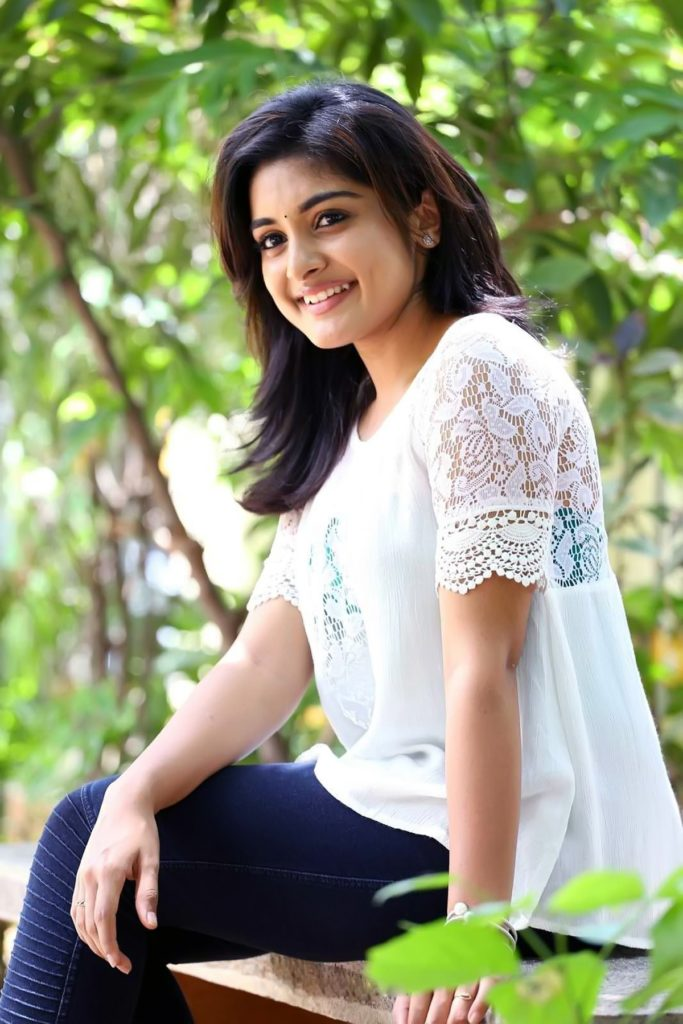 Niveda Thomas Bold Wallpapers
