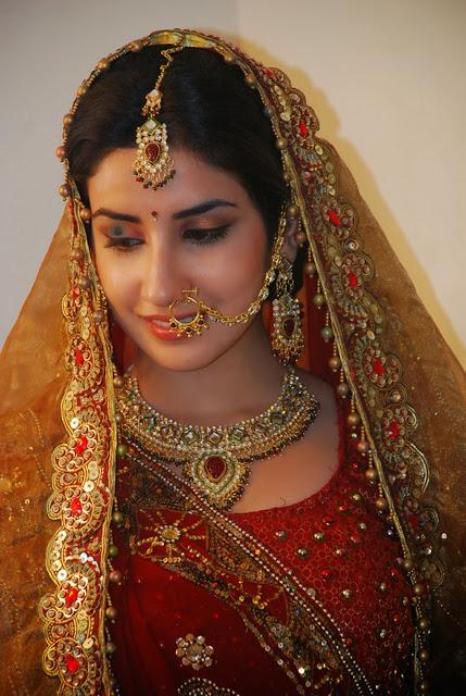 Parul Gulati In Indian Look Pics