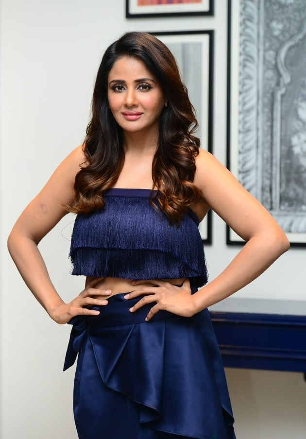 Parul Yadav Spicy Pictures