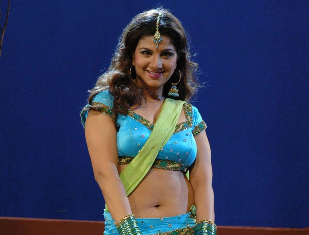Rambha HD Sexy Navel In Saree