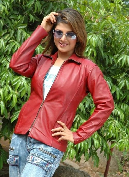 Rambha Hot In Jeans Top Images