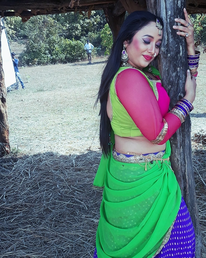 Rani Chatterjee In Backless Saree Photos