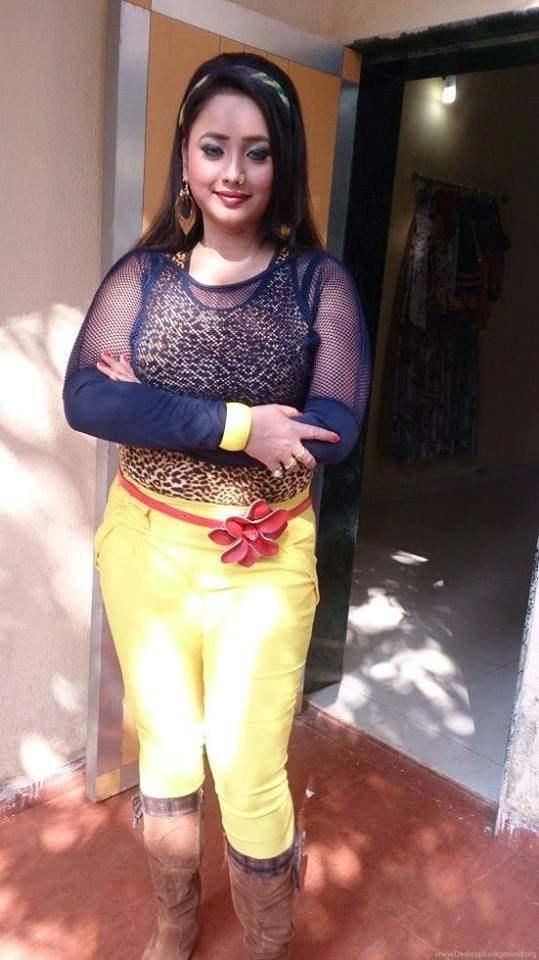 Rani Chatterjee In Jeans Top Images