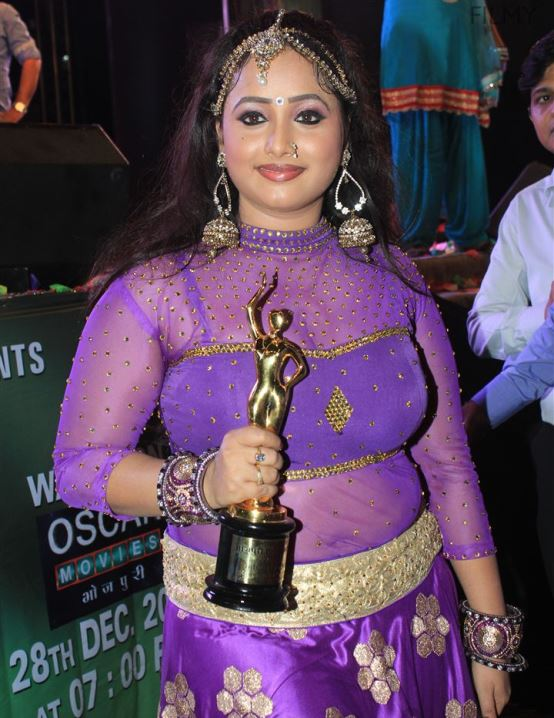 Rani Chatterjee Spicy Pics With Awards