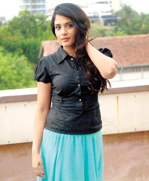 Richa Chadda HD Photos