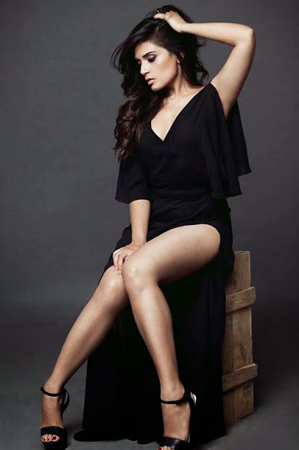Richa Chadda Sexy Pictures In Short Clothes