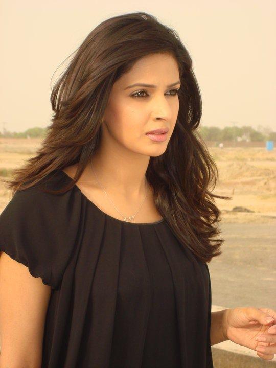 Saba Qamar Hot Images