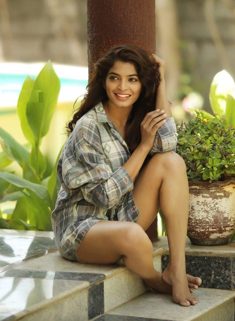 Sanchita Shetty In Bikini Bold Images