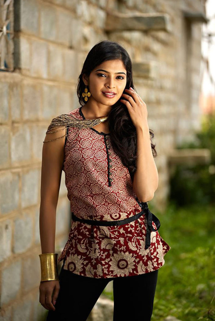 Sanchita Shetty In Jeans Top Images