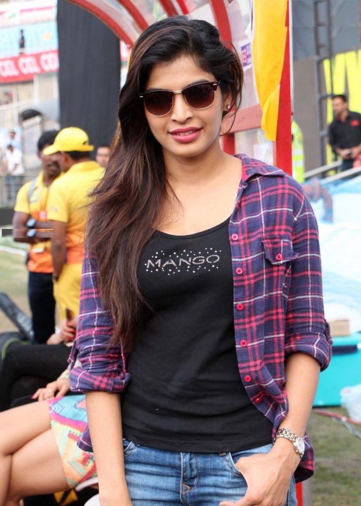 Sanchita Shetty In Jeans Top Photos