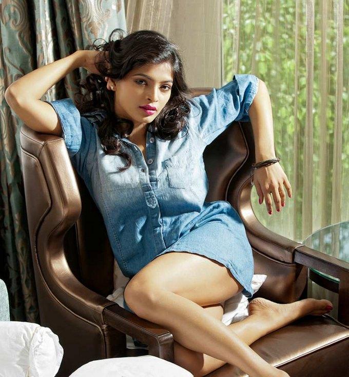 Sanchita Shetty In Shorts Full HD Images