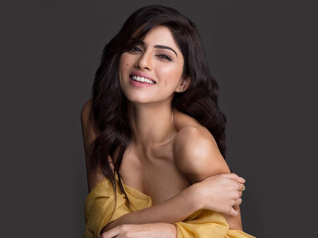 Sapna Pabbi Bold Images