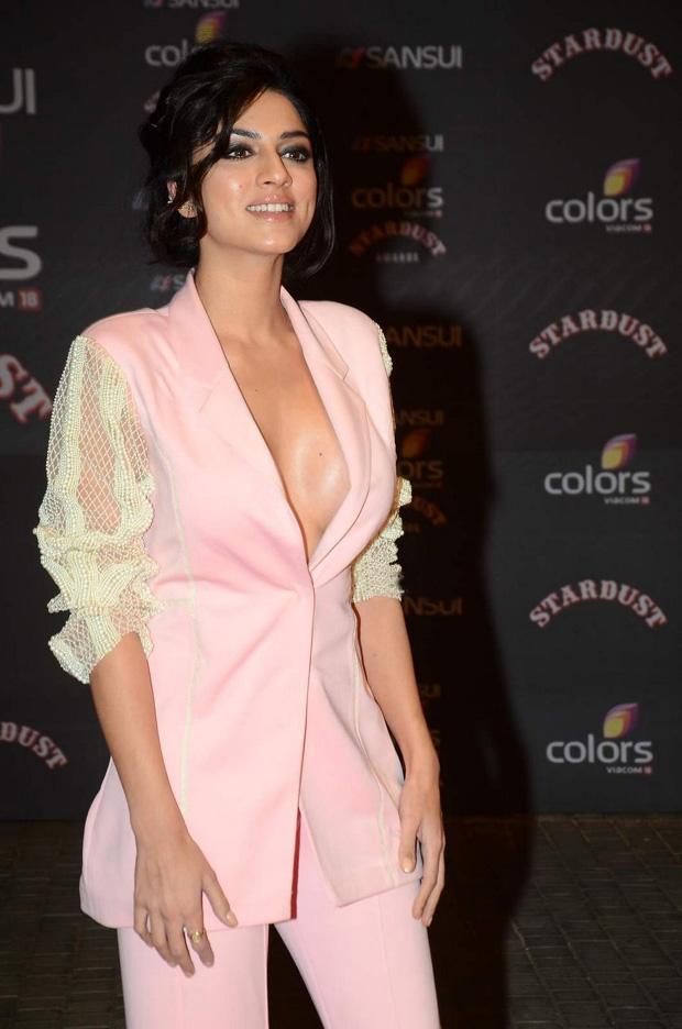 Sapna Pabbi Hot Pictures Download