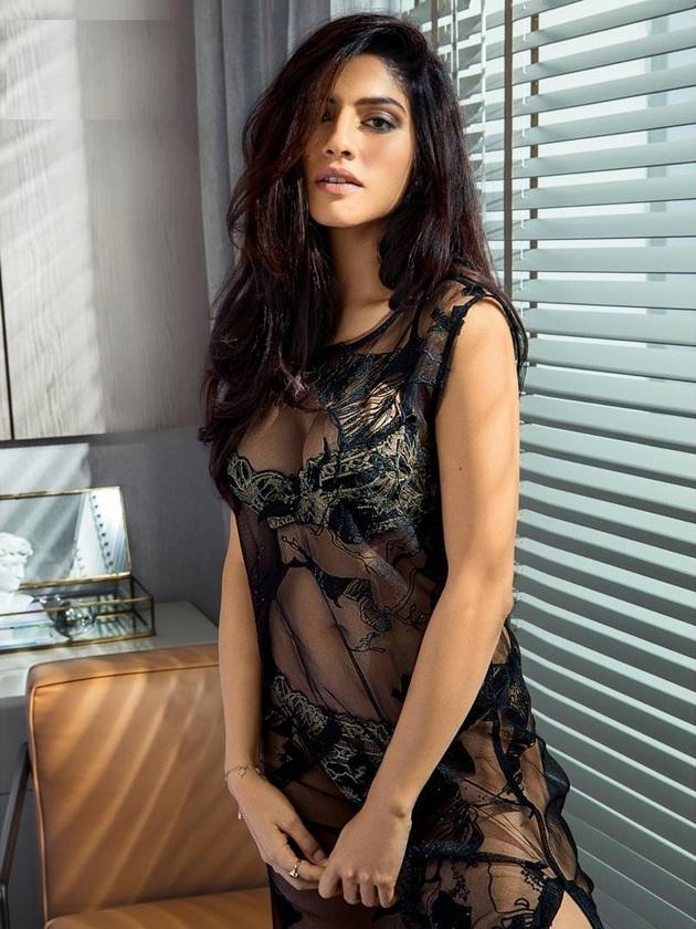 Sapna Pabbi New Pictures