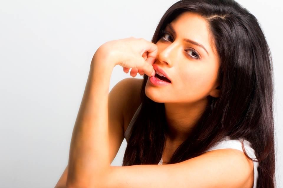 Sapna Pabbi Sexy Images