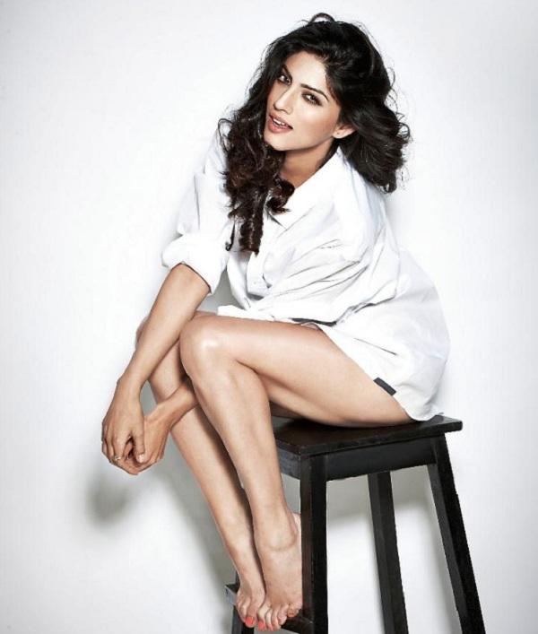 Sapna Pabbi Sexy Legs Pics