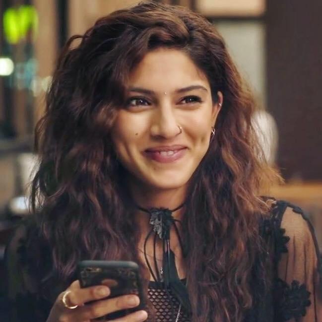 Sapna Pabbi Smiling Photos