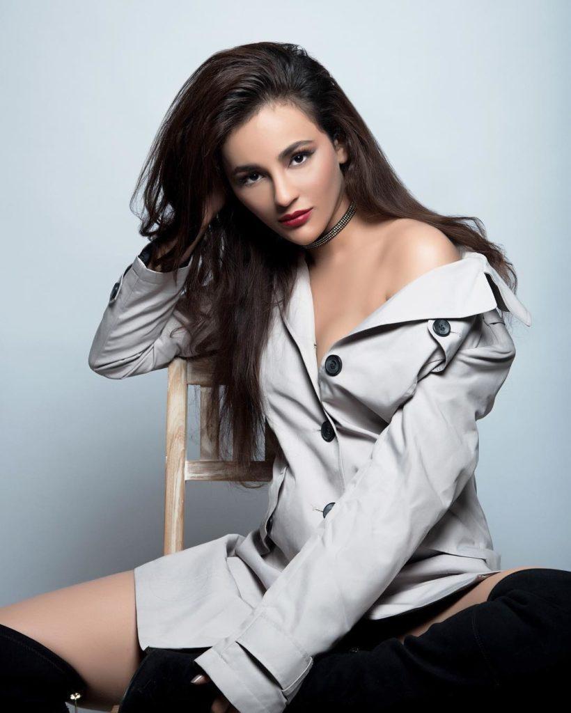 Seerat Kapoor HD Sexy Pictures
