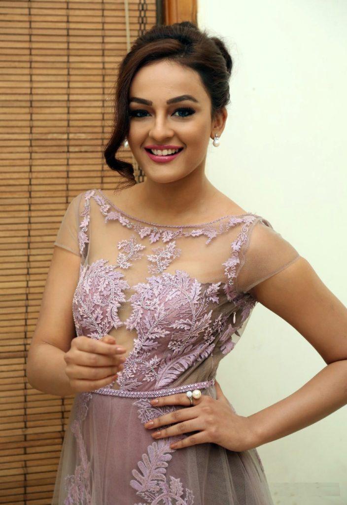 Seerat Kapoor Hot