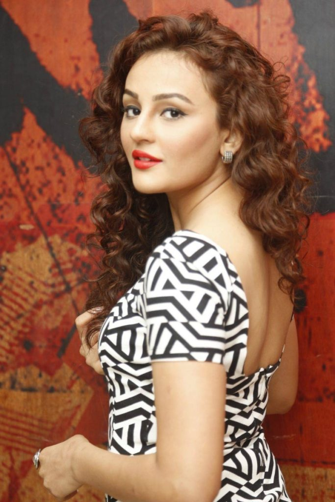 Seerat Kapoor Hot In Backless Clothes