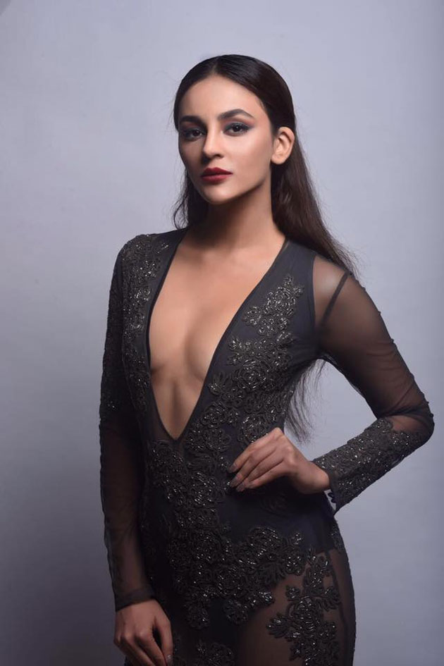 Seerat Kapoor Pics