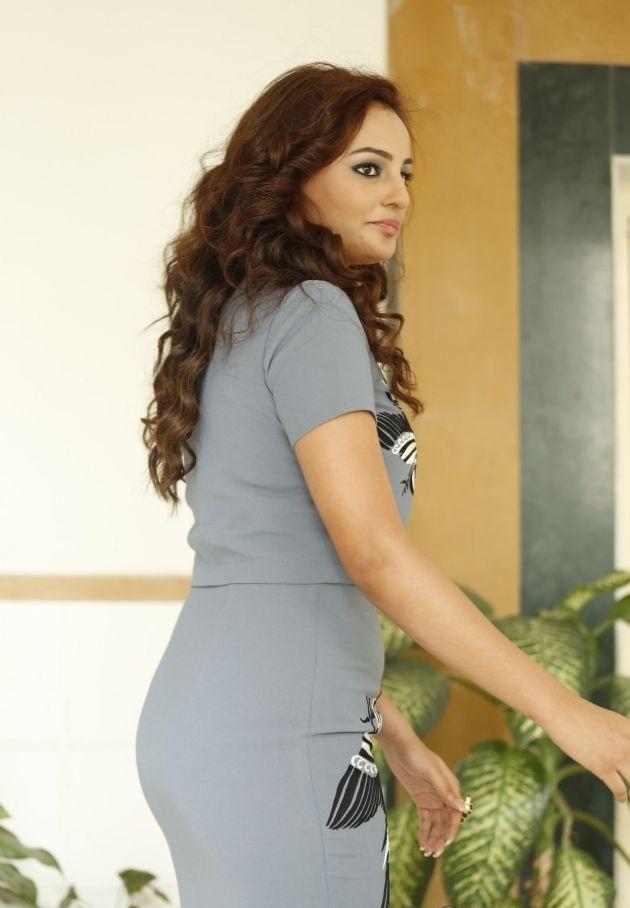 Seerat Kapoor Pictures