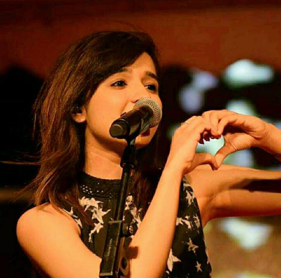 Shirley Setia HD Pics Gallery
