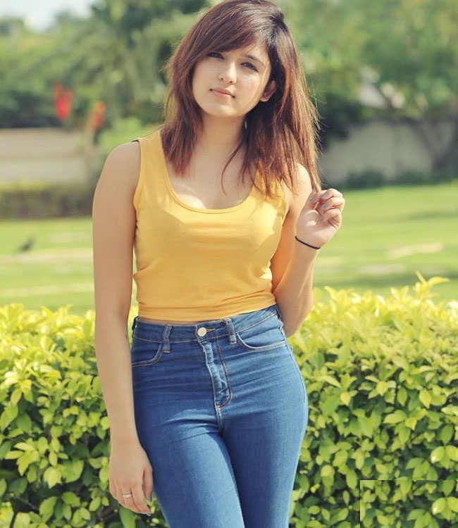 Shirley Setia In Jeans Top Images