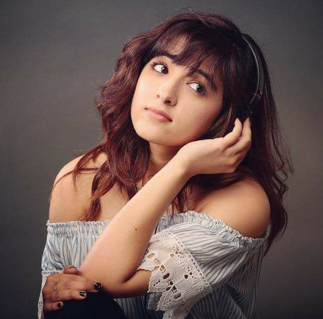 Shirley Setia Pictures
