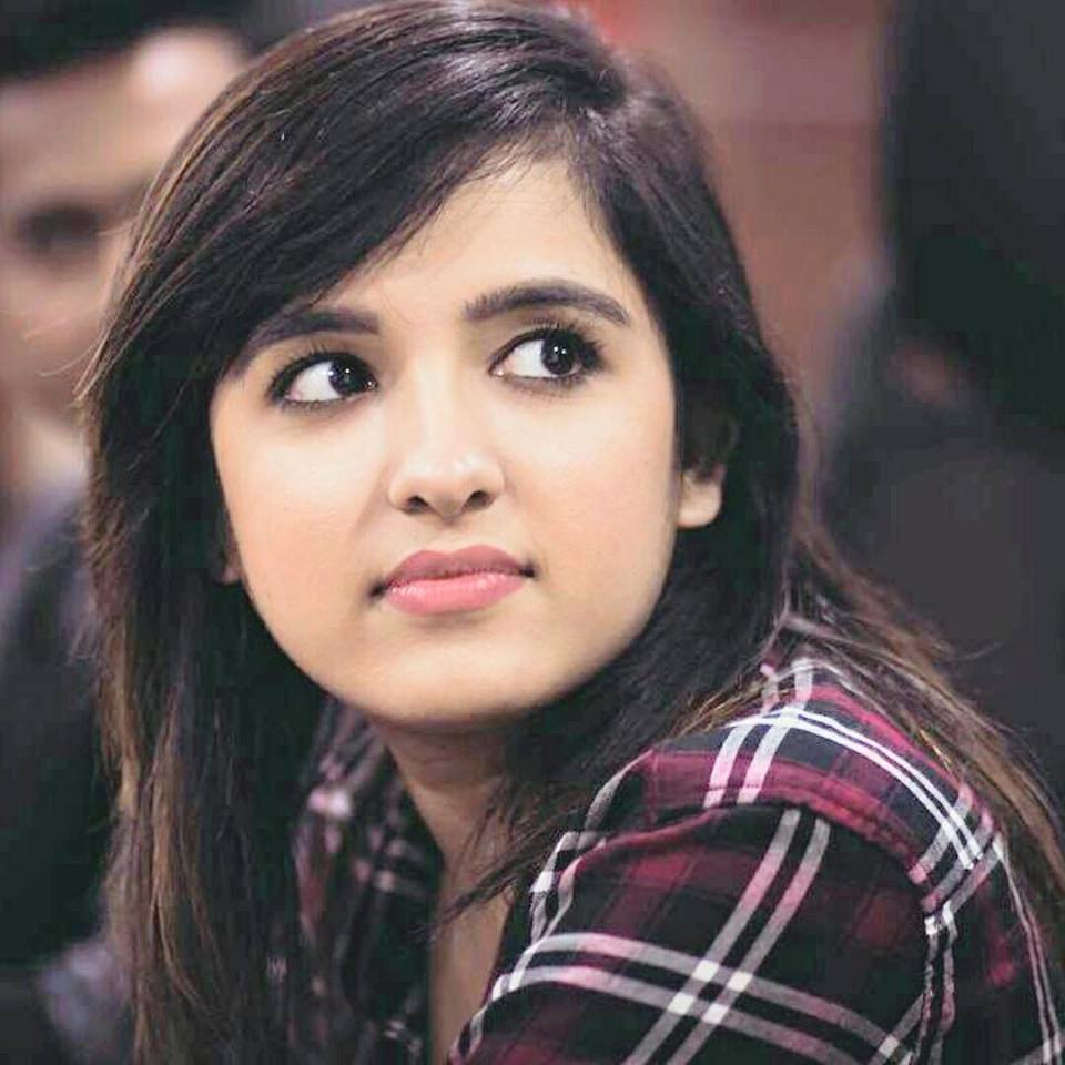 Shirley Setia Sexy Eyes Images