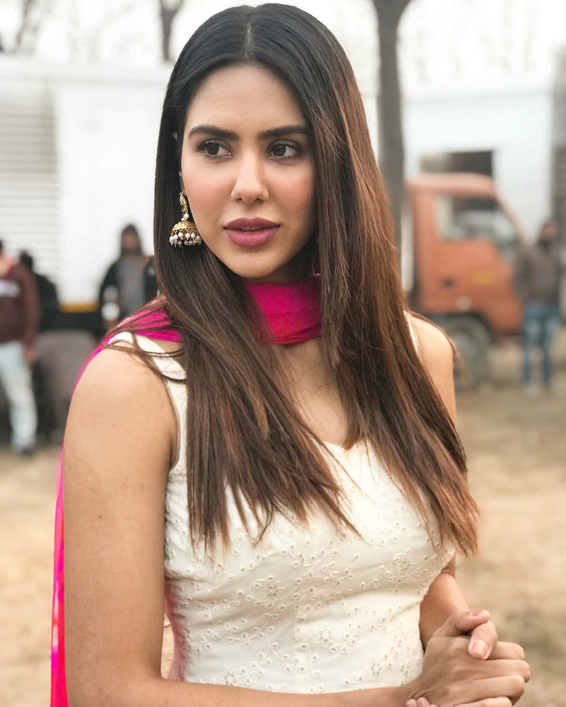 Sonam Bajwa Pictures