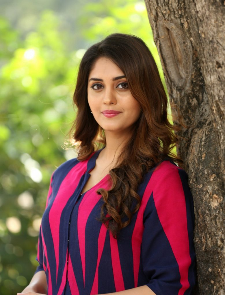 Surabhi Cute Images Photoshoot