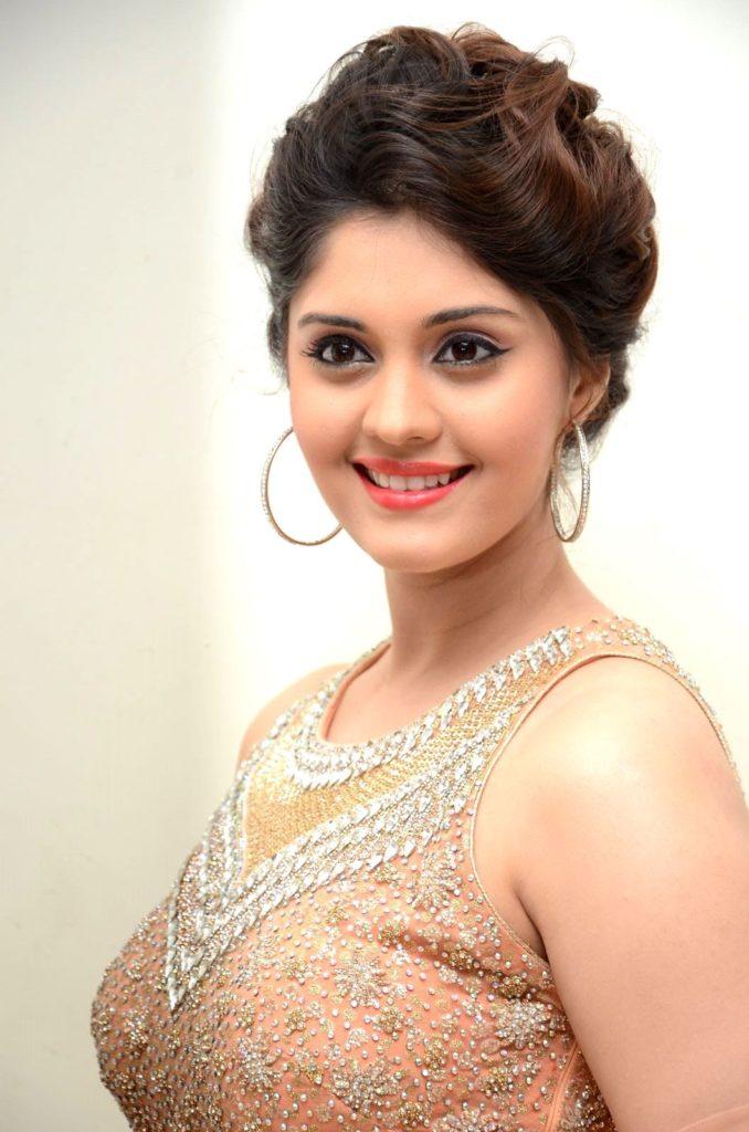 Surabhi New Hair Style Images