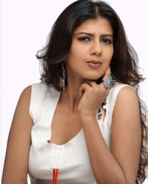 Swarnamalya Hot