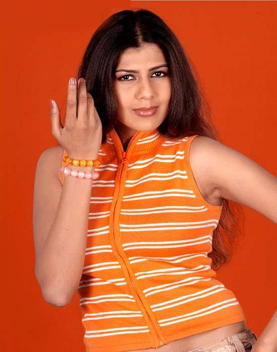 Swarnamalya In Jeans Top Photos