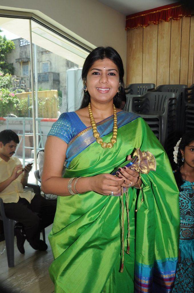 Swarnamalya In Saree Bold Pics